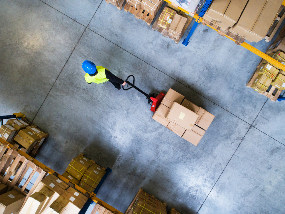 worker inside a 3pl warehousing and distribution center