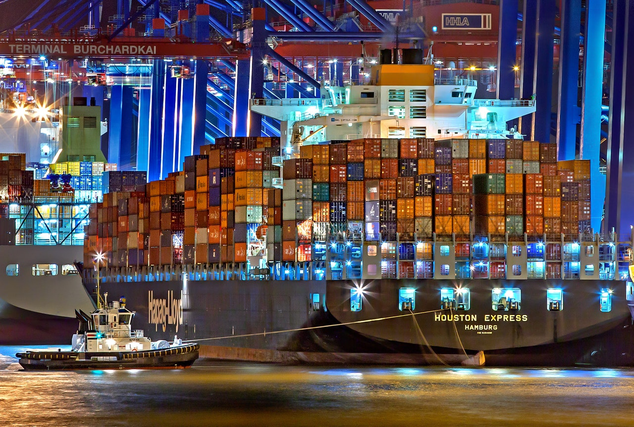 large freight ship full of containers from ecommerce fulfillment companies