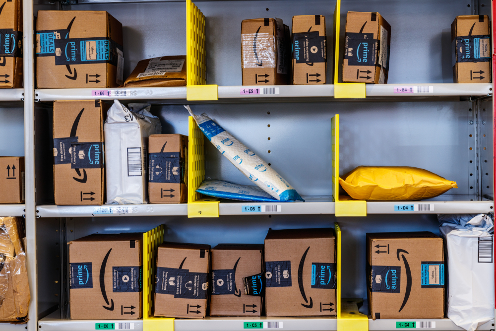 Picture of Amazon packages delivered by 3pl services